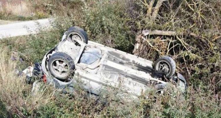 Σύγκρουση δύο αυτοκινήτων στο δρόμο Βόνιτσα-Πάλαιρος (Φωτό)