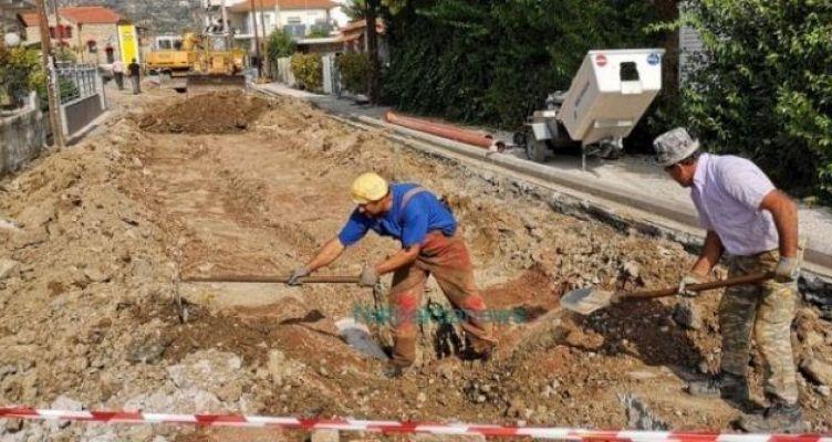 Ναύπακτος: Αντιπλημμυρικά έργα στην περιοχή του Αγίου Σπυρίδωνα (Βίντεο-Φωτό)