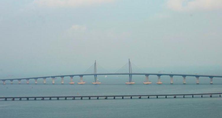 Αυτή είναι η μακρύτερη θαλάσσια γέφυρα στον κόσμο! (Φωτό)