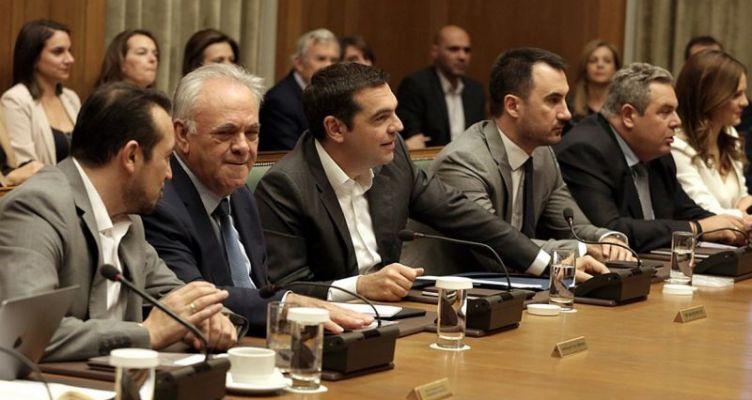 Τσίπρας σε Καμμένο και υπουργούς: Δεσμευτείτε ότι δεν θα στηρίξετε πρόταση μομφής της Ν.Δ.