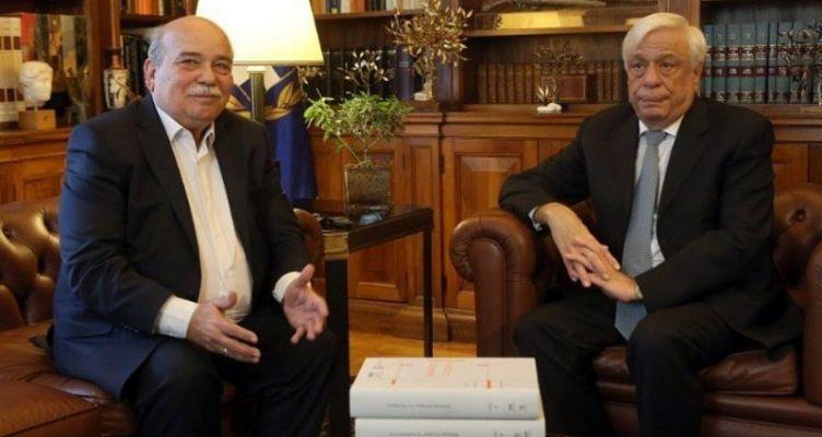 Σε Παυλόπουλο και Τσίπρα παρέδωσε ο Βούτσης τον «Φάκελο της Κύπρου» – Στην δημοσιότητα 4 τόμοι