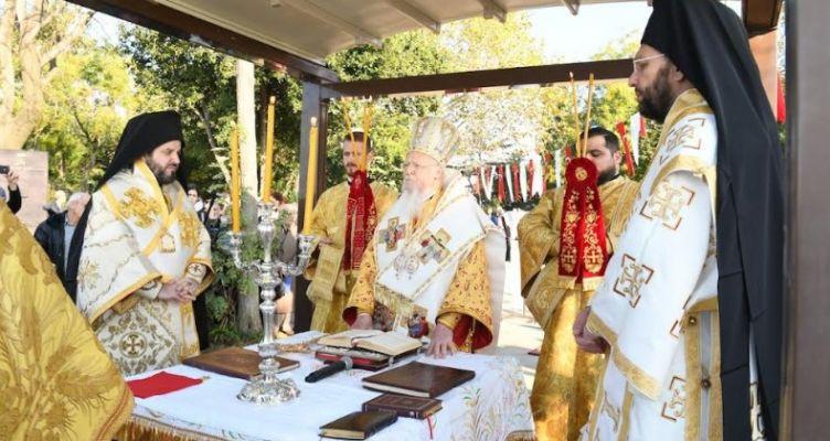 Πατριαρχική Θεία Λειτουργία στην πόλη όπου γεννήθηκε ο Άγιος Νεκτάριος (Φωτό)