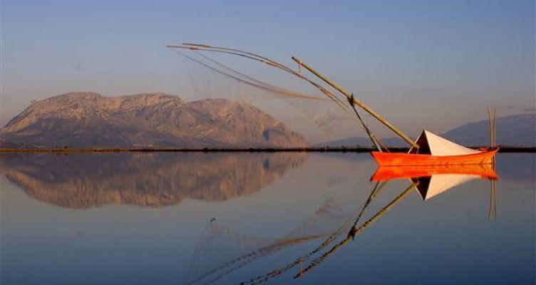 Μεσολόγγι: Αλιευτικοί Συνεταιρισμοί προσφέρουν ψάρια στους πρόσφυγες