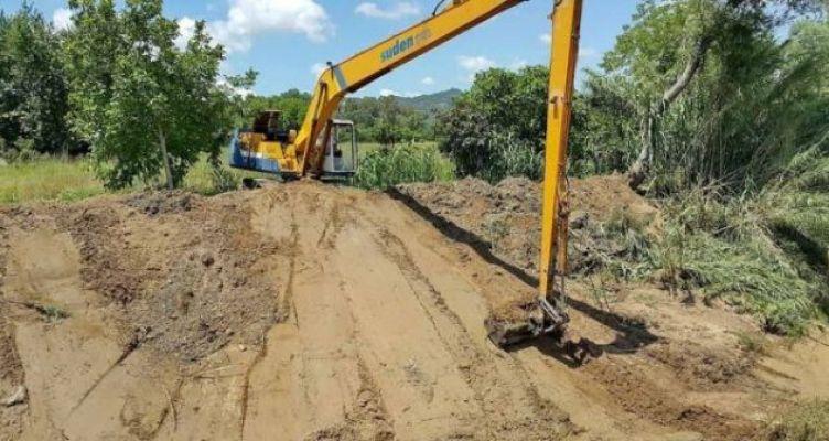 Εργασίες καθαρισμού-συντήρησης των αντιπλημμυρικών έργων στον ποταμό Εύηνο