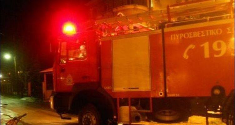 Μάχη των πυροσβεστών στην Αχαΐα – Πνέουν ισχυροί άνεμοι