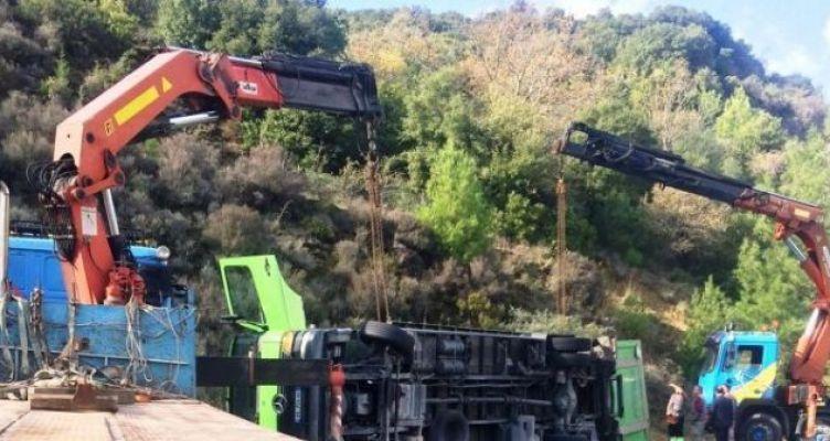 Έκλεισε η Εθνική Οδός Αντιρρίου – Ιωαννίνων, μετά από τροχαίο ατύχημα (Φωτό)