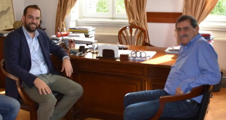 Ο Δήμαρχος Πατρέων συναντήθηκε με τον υποψήφιο Π.Δ.Ε. Νεκτάριο Φαρμάκη