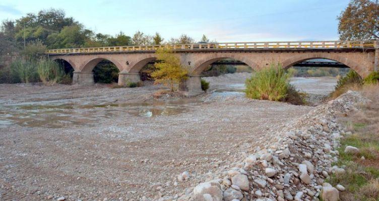 Η γέφυρα της Αβώρανης, επί του χειμάρρου-ποταμού Ερημίτσα (Βίντεο)
