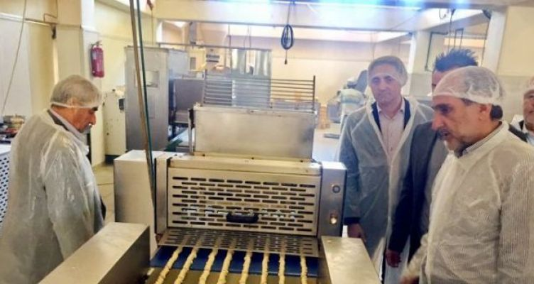 Ξενάγηση του Απ. Κατσιφάρα στην επιχείρηση «Αγρινιώτικο ΑΕΒΕ» (Φωτό)