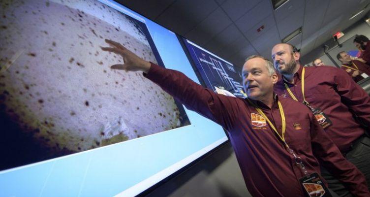 Το InSight της Nasa προσεδαφίστηκε στον Άρη (Φωτό)