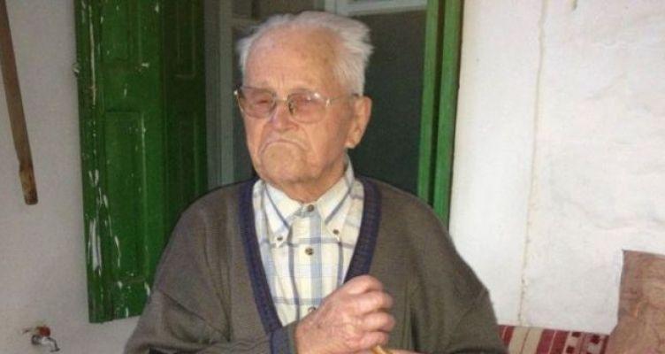 Πετροχώρι Θέρμου: «Έφυγε» ο Αντωνάκης Σαγώνας σε ηλικία 108 ετών (Βίντεο)