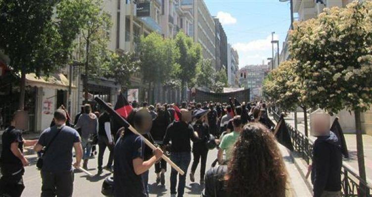 Πάτρα: Έπεσε ξύλο στην πορεία για την απεργία
