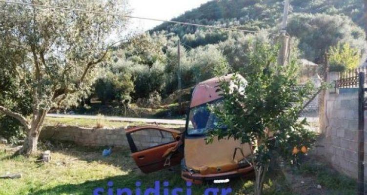 Αυτοκίνητο «προσγειώθηκε» σε λιοστάσι στον Άγιο Αθανάσιο Αιτωλικού! (Φωτό)