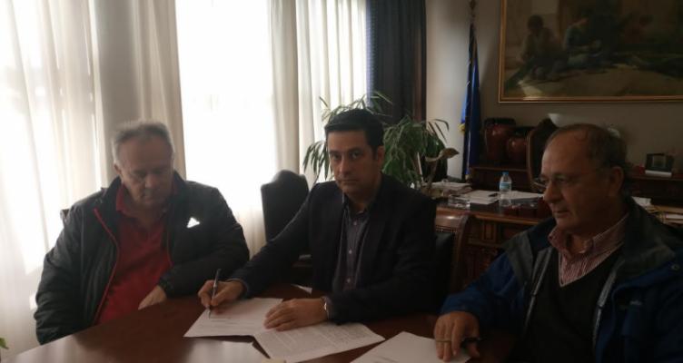 Αγρίνιο: Υπογραφή έργου ασφαλτόστρωσης οδών Δ.Ε. Στράτου-Νεάπολης-Παρακαμπυλίων