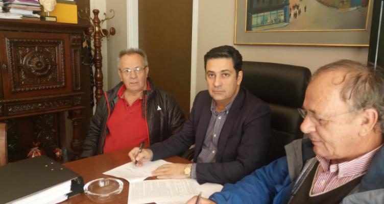 Δήμος Αγρινίου: Υπογραφή σύμβασης έργου για βελτιώσεις-ασφαλτοστρώσεις οδών