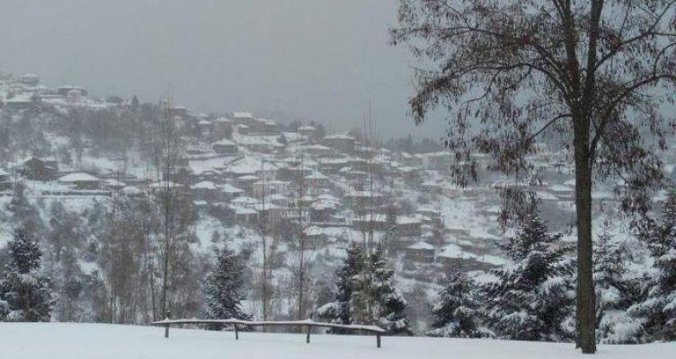 Χιονίζει στην Ορεινή Ναυπακτία