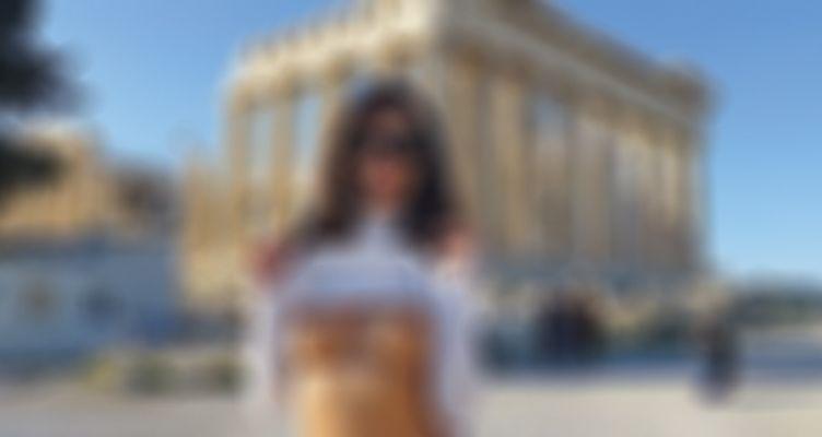 Προκλητικές φωτογραφίες διάσημης πορνοστάρ στον Παρθενώνα – Γυμνή στην Ακρόπολη!