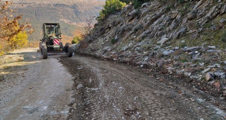 Θέρμο: Συνεχίζονται εργασίες για την αποκατάσταση Πέρκου-Περίστας (Φωτό)