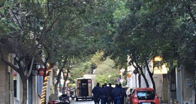 Εξερράγη μηχανισμός έξω από εκκλησία – Τραυματίστηκε αστυνομικός και νεωκόρος