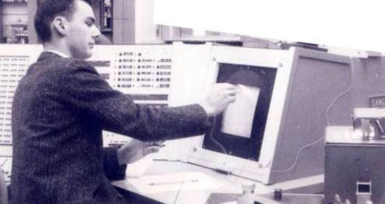 Πέθανε ο Λάρι Ρόμπερτς, ένας από τους τέσσερις «πατέρες» του Ίντερνετ