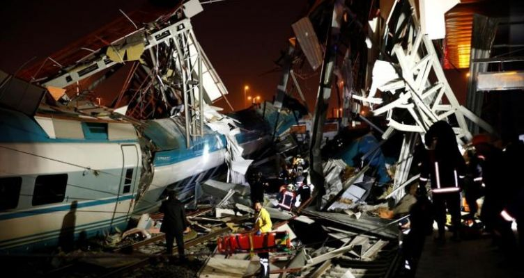 Δυστύχημα με τρένο στην Τουρκία – Τουλάχιστον 4 νεκροί πάνω από 40 τραυματίες (Φωτό)
