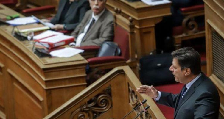 Πανδαιμόνιο στη Βουλή λόγω 22 υπουργικών τροπολογιών – Αποχώρησαν Κ.Κ.Ε. και Ποτάμι