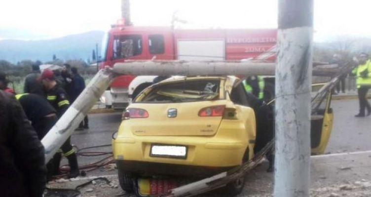 Τροχαίο στο Παναιτώλιο – Σε σοβαρή κατάσταση στο Νοσοκομείο γυναίκα οδηγός Ι.Χ. (Φωτό)