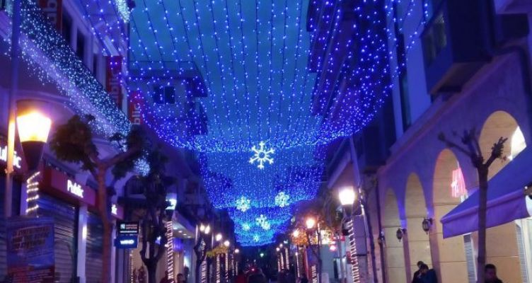 Αγρίνιο: Ο φετινός Χριστουγεννιάτικος διάκοσμος «κλέβει» τις εντυπώσεις! (Φωτό)