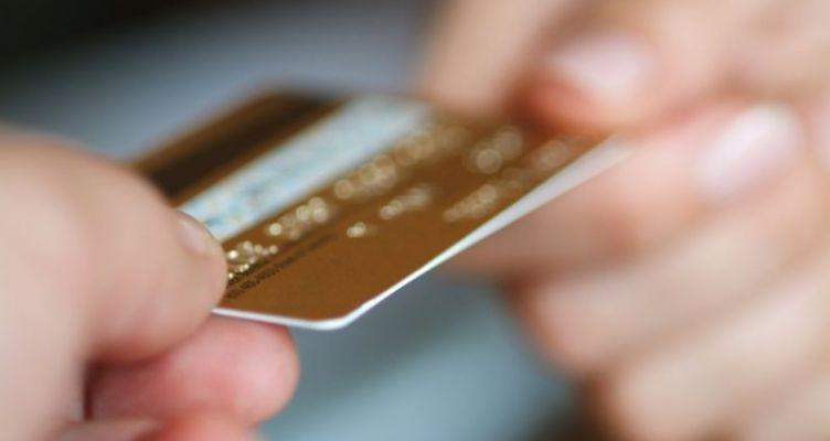 Τι ισχύει για τις συναλλαγές με πιστωτικές κάρτες