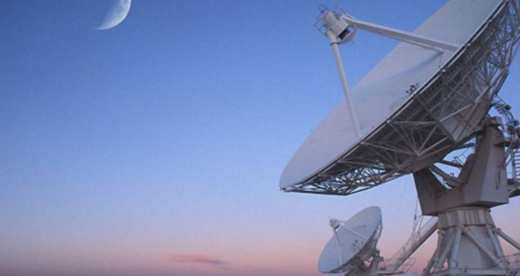 Αστρονόμοι «άκουσαν» μυστηριώδη ραδιοκύματα από μακρινό γαλαξία