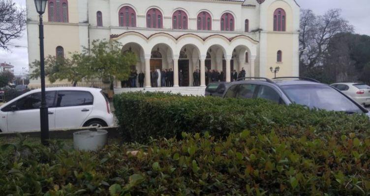 Αγρίνιο: Η εξόδιος ακολουθία της 35χρονης Αγρινιώτισσας εκπαιδευτικού (Φωτό)