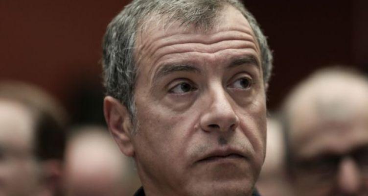 Θεοδωράκης: Πρόεδρος της Δημοκρατίας με ψήφους Ευρωβουλευτών και Δημάρχων