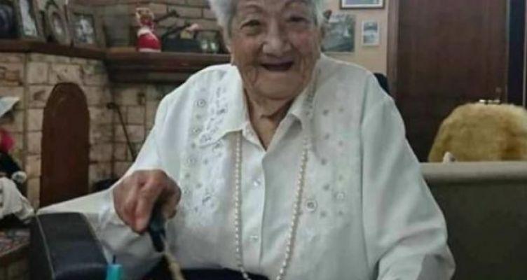 Γιαγιά 103 ετών στα Ανάκτορα και στα Υπουργεία – Ζωή σαν παραμύθι! (Φωτό)