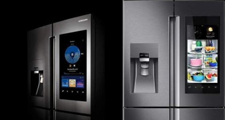 Έξυπνο ψυγείο πιάνει κουβεντούλα στην κουζίνα και καλεί ταξί