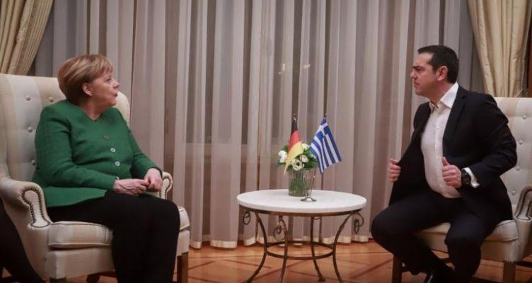 Μέρκελ: Διαλύει το internet η φωτογραφία του Τσίπρα!