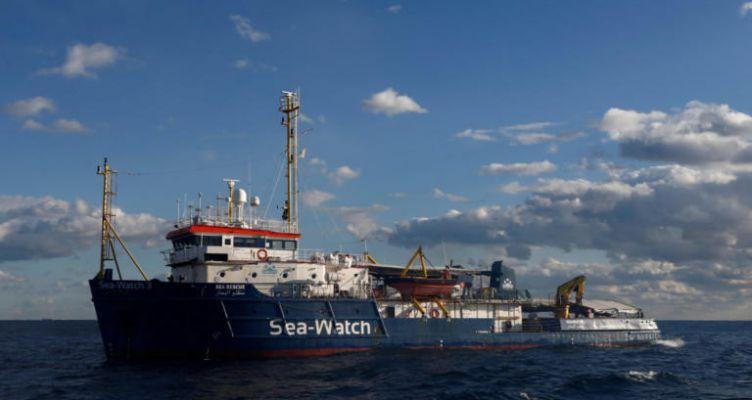 """Θρίλερ με το """"Sea – Watch 3"""" – Μετανάστες υποφέρουν από αφυδάτωση – Δεν τους δέχεται κανείς!"""