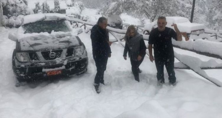 Αιτ/νία: Συνεχίζονται οι χιονοπτώσεις στα ορεινά (Φωτό)