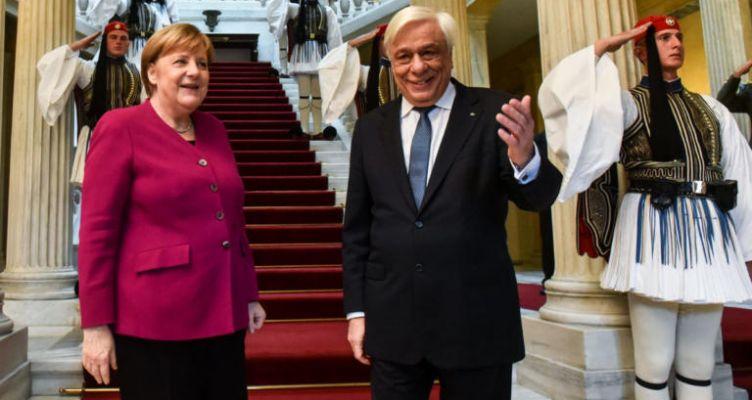 Παυλόπουλος προς Μέρκελ: Δικαστικά επιδιώξιμες οι γερμανικές αποζημιώσεις