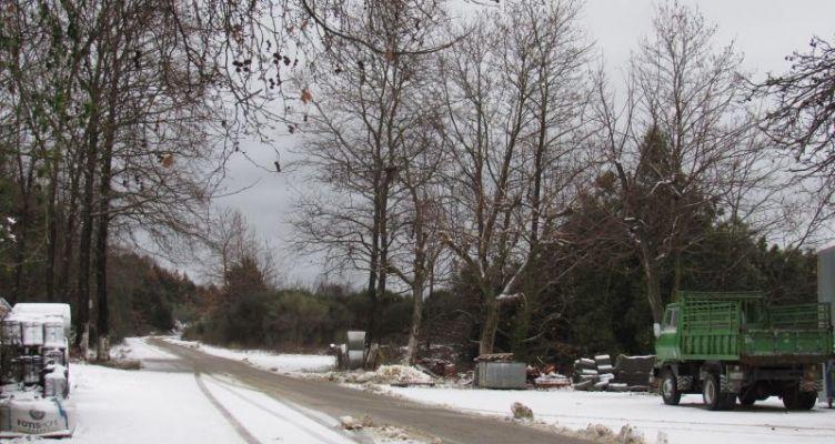Μαγευτικό χιονισμένο τοπίο στην Φλωριάδα Ορεινού Βάλτου Αιτ/νίας! (Βίντεο)