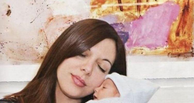 «Έφυγε» η Ζωή Κωσταρίδη, η πρώτη γυναίκα που γέννησε μετά από μεταμόσχευση καρδιάς