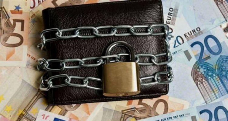 Για ποιους σπάει το όριο του ακατάσχετου – Πώς θα… ξεκλειδώνουν τραπεζικοί λογαριασμοί