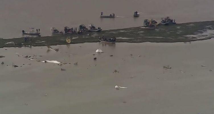 Νεκροί και οι τρεις επιβαίνοντες του Boeing που συνετρίβη στο Τέξας (Βίντεο)
