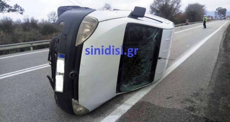 Αγρίνιο: Άγιο είχε οδηγός οχήματος ταχυμεταφορών στην Αντιρρίου – Ιωαννίνων (Φωτό)