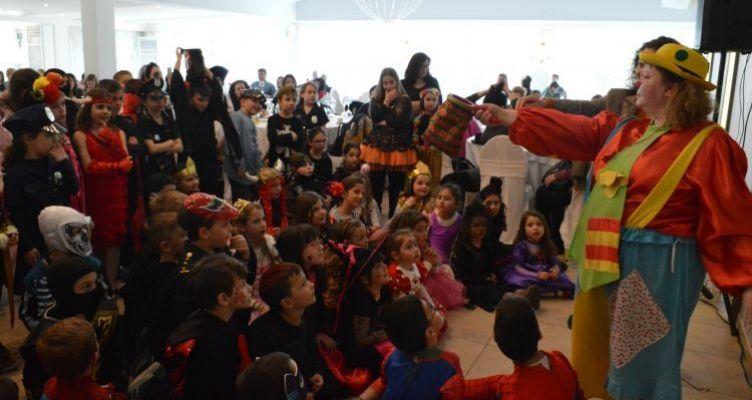 Ο Αποκριάτικος χορός του Συλλόγου Γονέων και Κηδεμόνων του 3ου Δημοτικού Σχολείου Αγρινίου