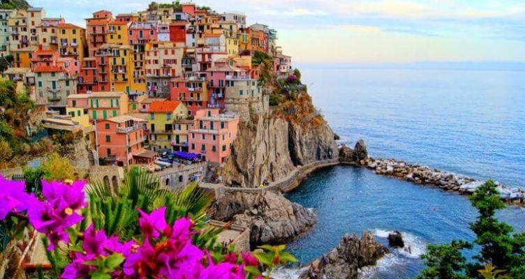 Πρόστιμο έως 2.500€ αν πας με… σαγιονάρες στην Cinque Terre της Ιταλίας!