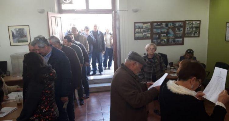 Αγρίνιο: Στις κάλπες τα μέλη του ΚΙΝ.ΑΛ. για την εκλογή συνέδρων (Φωτό)