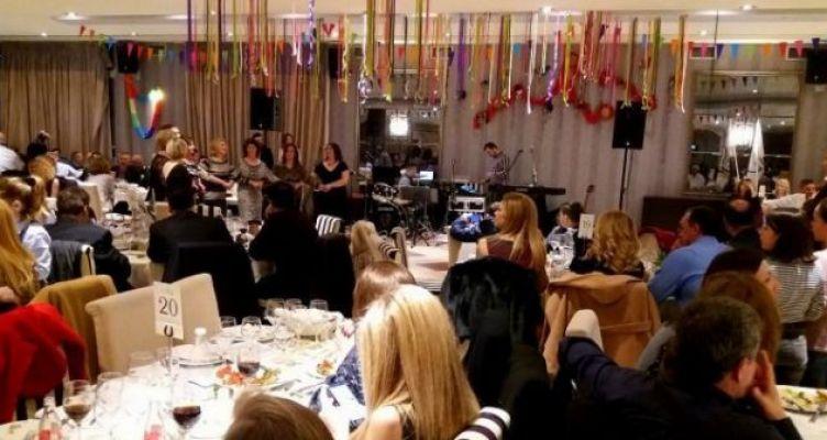 Επιτυχημένη η χοροεσπερίδα συλλόγων των Καλυβίων