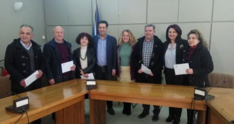 Δήμος Αγρινίου: Δόθηκαν τα χρήματα στα ειδικά σχολεία και στην ΕΛ.Ε.Π.Α.Π. (Φωτό)