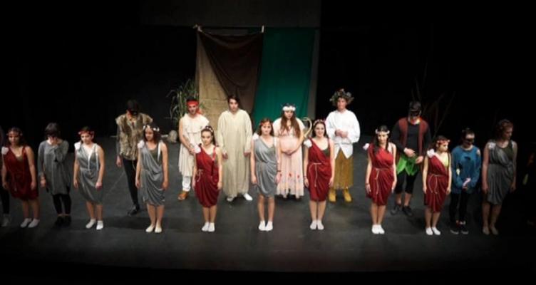 Δήμος Αγρινίου: Τελετή Λήξης του 10ου Επετειακού Μαθητικού Φεστιβάλ Θεάτρου