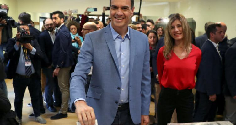 Ισπανία – Εκλογές: Προηγούνται οι Σοσιαλιστές – Μπαίνει στη Βουλή η ακροδεξιά